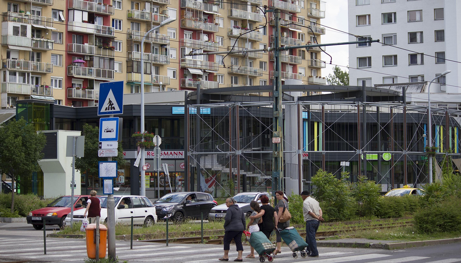 middle-class-mass-housing-in-hungary